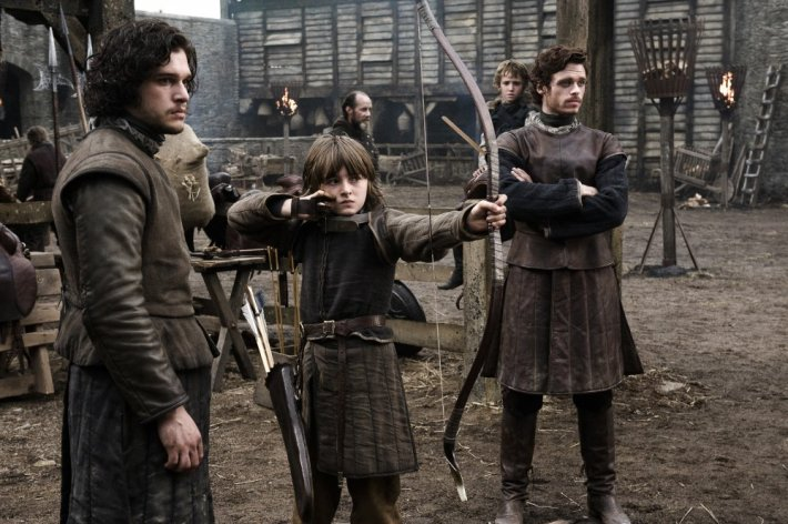 game-of-thrones-2011-001-archery-with-the-starks-and-jon-snow