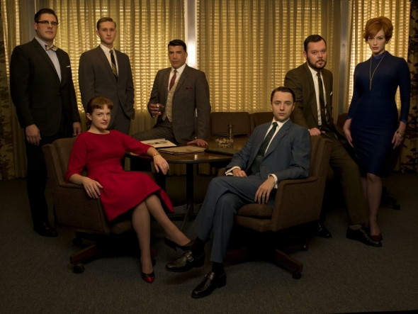 mad-men-season-four-2010-001-group-picture-with-leather-armchairs