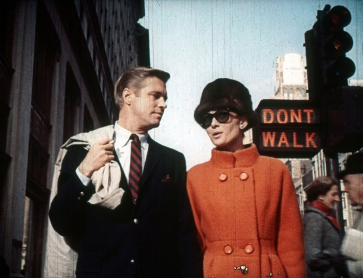 breakfast-at-tiffanys-1961-001-00m-vb6-george-peppard-audrey-hepburn-by-dont-walk-sign