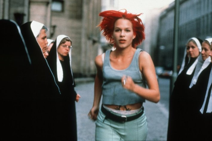run-lola-run-1998-001-franka-potente-runs-through-nuns-00m-vf2